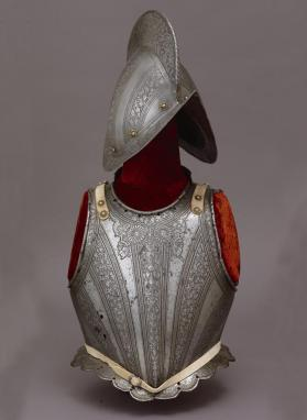 Half-Armor with Comb-Morion